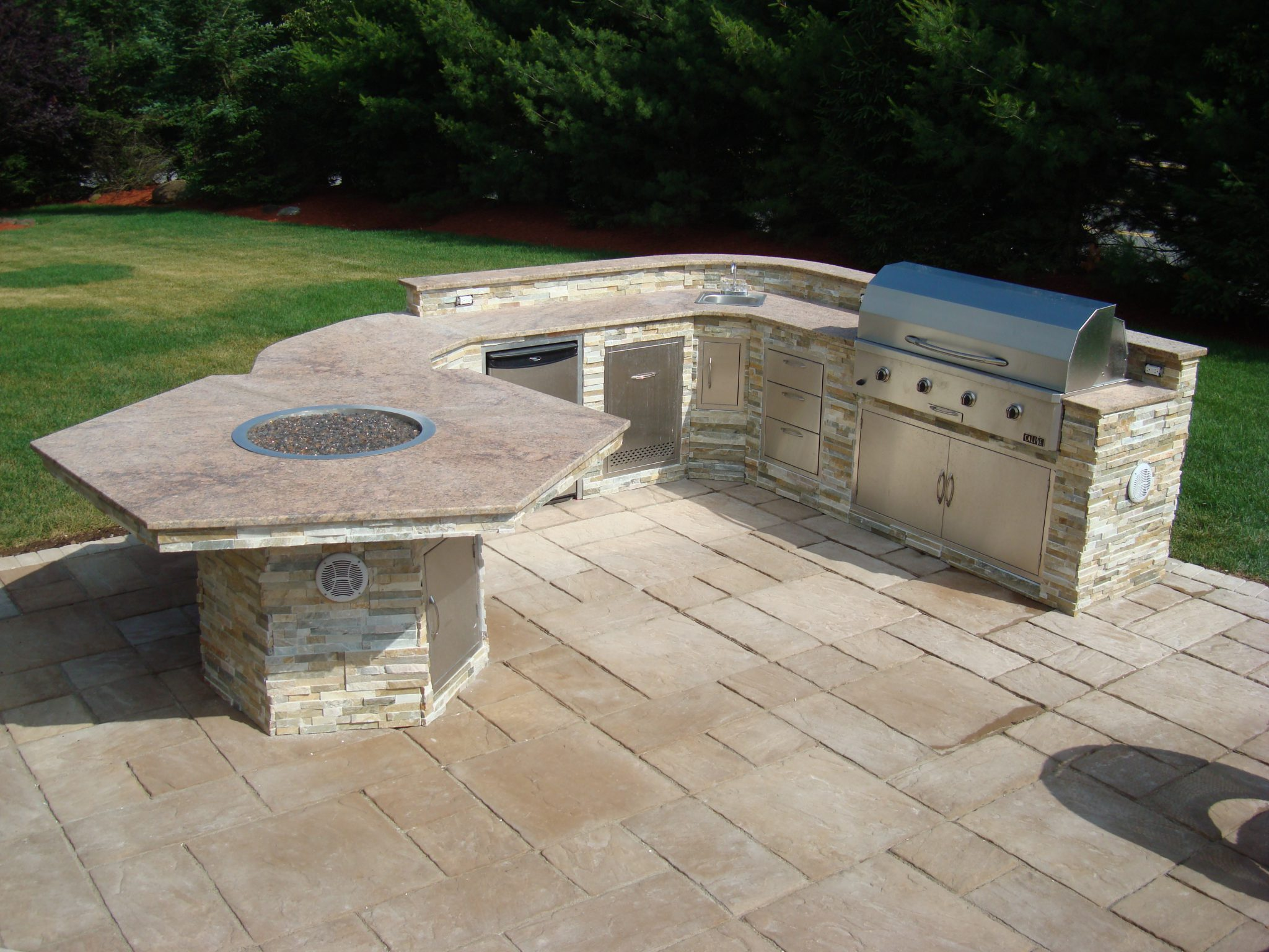 Patio Design Ideas With Fire Pits stone patio with built in fire pit patio ideas Outdoor Kitchen With Small Fire Pit