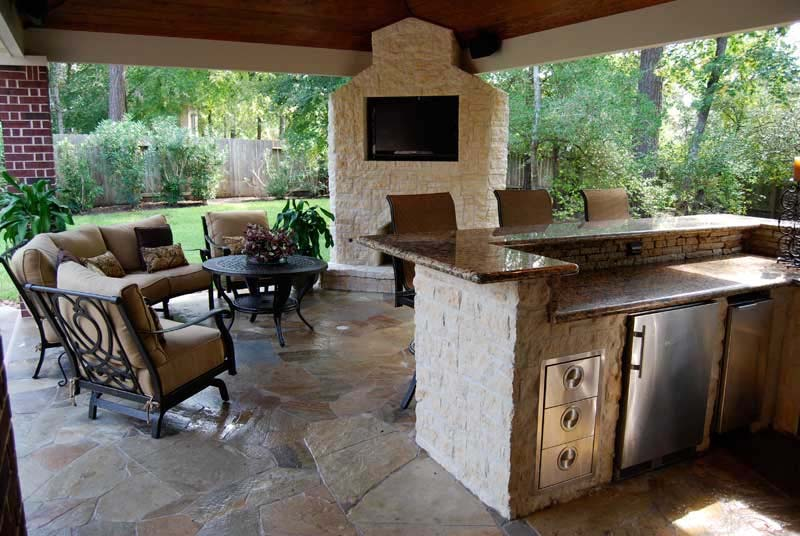 Patio and deck designs to inspire your dream deck for Deck kitchen ideas